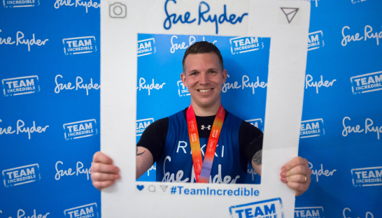 Image of a London Marathon runner for Sue Ryder