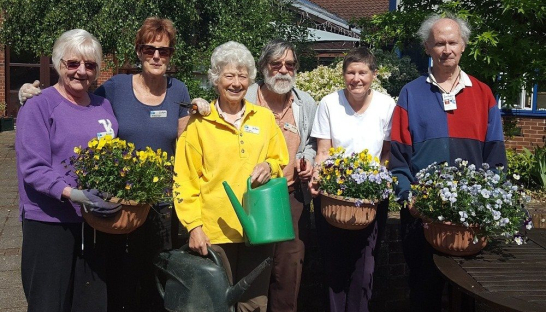 Photo of volunteer gardeners