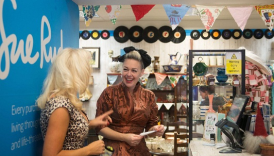 Image of retail volunteers in Sue Ryder shop