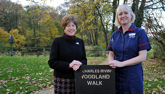 Jacky Lane, Trustee of The Charles Irving Trust, and Head of Clinical Services Debbie Williams are proud to open the Woodland Walk.