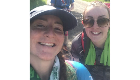 Kate takes an ultramarathon selfie with a friend
