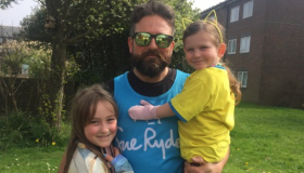London Marathon runner Lee Cook with his two daughters